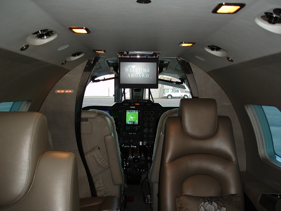 N888WW-Interior 2 gp